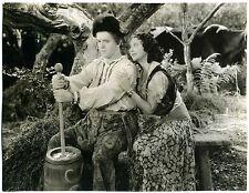 BOHEMIAN GIRL 1936 STAN LAUREL, MAE BUSCH Butter Churn HOLLYWOOD STILL