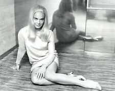 """Shirley Eaton Carry On Films 10"""" x 8"""" Photograph no 31"""