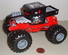 BONE SHAKER  HOT WHEELS MONSTER JAM  TRUCK 1:24