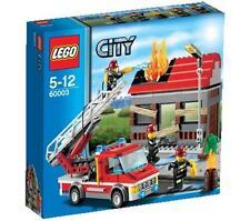 A estrenar en caja Lego City Conjunto de Emergencia Fuego 60003. la caja tiene desgaste leve