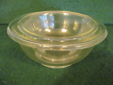 PAIR OF VINTAGE CLEAR GLASS PYREX RIMMED NESTED MIXING BOWL #322 & #323