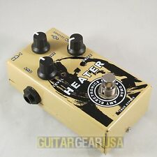 "AMT Electronics HR-1 ""Heater"" - JFET overdrive / booster guitar pedal"