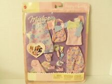 Mattel 2002 Barbie Happy Family Midge & Baby Fashion Outfits