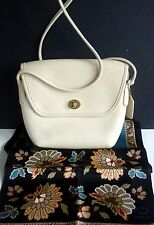 VINTAGE COACH QUINCY CREME LEATHER CROSSBODY BAG # 9919/HANGTAG//CHARMING/SPRING