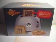 Philadelphia Phillies Pro Toast 2-Slice Automatic Toaster Toasts Phillies Logo