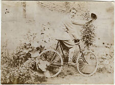 PHOTO ANCIENNE - VINTAGE SNAPSHOT - CYCLISTE VÉLO BICYCLETTE MODE - BIKE FASHION