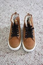 NWT Old Navy Boys Tan Brown Faux Leather Suede Ankle Boots w/ Laces Size 3 Y