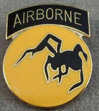 US Army 135th Airborne Division Pin / Clutchback
