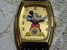 MEN'S Rare  Handsome DISNEY SEIKO 2K03 MICKEY MOUSE Leather Band Quartz Watch