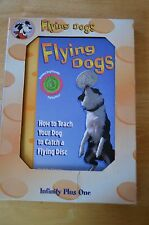 FLYING DOGS  HOW TO TECH YOUR DOG TO CATCH A FLYING DISC