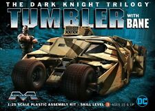 Moebius BATMOBILE TUMBLER THE DARK KNIGHT TRILOGY BATMAN W/ BANE model kit 1/25