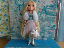 BRATZ FACTZ SPRING BREAK CLOE 2009 SUPER RARE AND HARD TO FIND MINT
