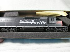 Athearn HO Southern Pacific SD40T-2 Tunnel Motor #8490 Dummy Diesel Loco
