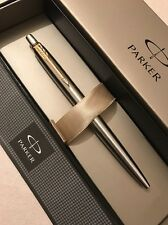 NEW 2016 DESIGN PARKER JOTTER STEEL GOLD TRIM BALLPOINT PEN-FRANCE-GIFT BOX