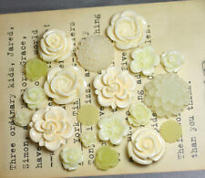 20pcs - Resin Flower Cabochons - Cream
