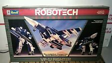 ROBOTECH Changers VF-1J Fighter 1/100 Scale Revell Model 1985