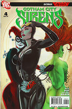 Gotham City Sirens #4 - Harley Quinn Poison Ivy Catwoman Cover - 2009(Grade 9.2)