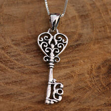 925 Sterling Silver Filigreed Vintage Heart Shaped Key Pendant Chain Necklace