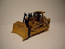 DIECAST MASTERS 1/50 NEW CAT D9T TRACK-TYPE TRACTOR FIRST GEAR