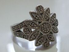 GENUINE DIAMOND LESLIE STERLING SILVER WOMENS COCKTAIL CLUSTER RING BAND SZ 5.25