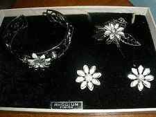 vintage costume jewelry set Rhodium finish bracelette, brooch, earrings clip on