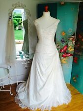 Pronovias (St Patrick)Ivory Wedding Dress UK 14. Sample dress Superb Condition