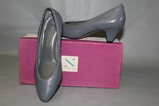 NEW Naturalizer Stacy, US Size 7.5 D (Wide) Gray Leather Dress shoe