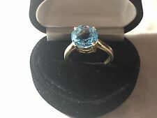 9ct Gold  & Topaz ring