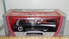 1/18 ROAD SIGNATURE/YATMING 1957 CHEVROLET BEL AIR CONVERTIBLE BLACK & WHITE rd