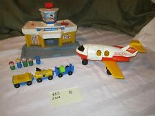 Fisher Price Little People Play Family jetport Airport 2505 933 B luggage plane
