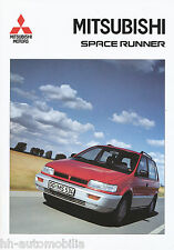 Mitsubishi Space Runner Prospekt 8/92 brochure 1992 Auto PKWs Japan Asien Asia
