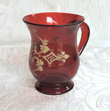 Boccale Mug vetro rosso rubino decorato in oro e smalto Biedermeier Boemia c1850