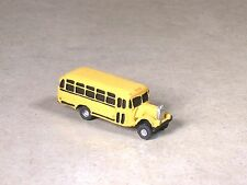 N Scale 1939 Yellow Mack School Bus
