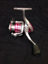 "NEW Okuma Avenger Ladies Edition Pink Spinning Reel 5.0:1 10oz 29"" Ret AV-40b-LE"
