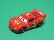 Flash McQueen WGP Figurine Voiture course Cars Disney Pixar Mattel métal diecast