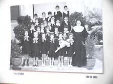 Vecchia foto bn di scolaresca LIDO DI ROMA scuola elementare alunne con suora e