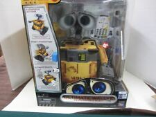 Thinkway 709019 Disney Pixar ULTIMATE WALL-E Robot Remote Radio Controlled Toy