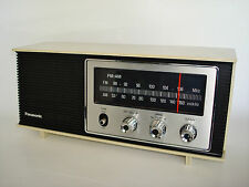 WORKING Vintage RETRO Panasonic Radio AM FM Model RE-6283. (AC 120V)