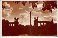 Budapest Ungarn Postkarte ~1930/40 Esti hangulat Ezredéves emlékmü Denkmal Abend