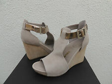 TSUBO NANCIE WET CEMENT LEATHER ANKLE STRAP WEDGE HEELS, US 7/ EUR 38 ~NIB