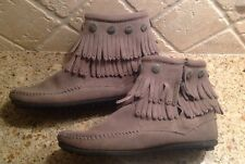 MINNETONKA Gray Suede Leather Ankle Booties Short Boots  2-Layers Fringe 5 Women