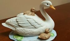Vintage Homco Porcelain Bisque Swan W/ Baby Cygnets Family Figurine #1467 ~5""