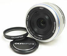 Olympus M.Zuiko 17mm f/2.8 Lens For M4/3 (Silver) in near Mint condition!