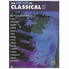 The Giant Book of Classical Sheet Music: Easy Piano (The Giant Book of Sheet Mus