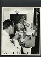 WILLARD PARKER IN THE MAKEUP ROOM - 1943 CANDID KEY BOOK - WHAT A WOMAN!
