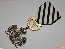 Steampunk badge brooch pin drape Medal pirate skull crossbones coat of arms LARP