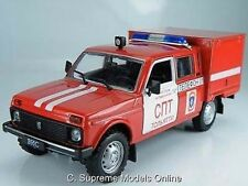 NIVA VAZ FIRE ENGINE MODEL 1/43RD SCALE RED/WHITE COLOUR EXAMPLE BXD T3412Z(=)