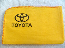 TOYOTA CARS:BRAND NEW LARGE HIGH QUALITY YELLOW CLEANING DUSTER WITH DECAL/LOGO