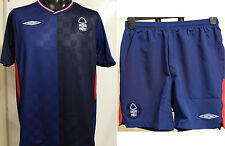 NOTTINGHAM FOREST BOYS 2009/10 AWAY SHIRT & SHORTS SET BY UMBRO SIZE SMALL BOYS
