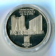 Medaille Einweihung des Neubaues am 14.8.1998 Bank im Bistum Essen Silber M_1127